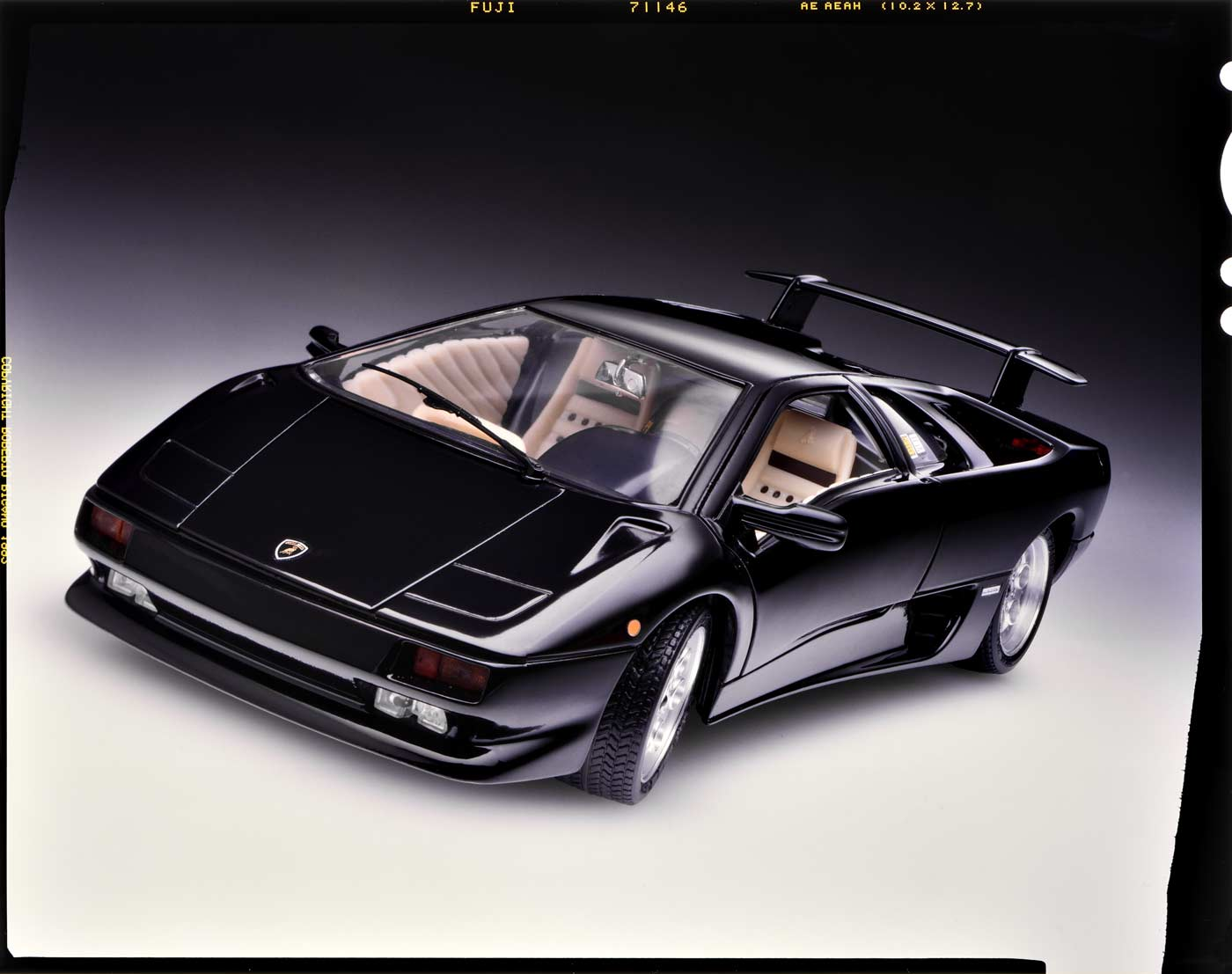 001008 Bburago Lamborghini Countach for Assembly Kit