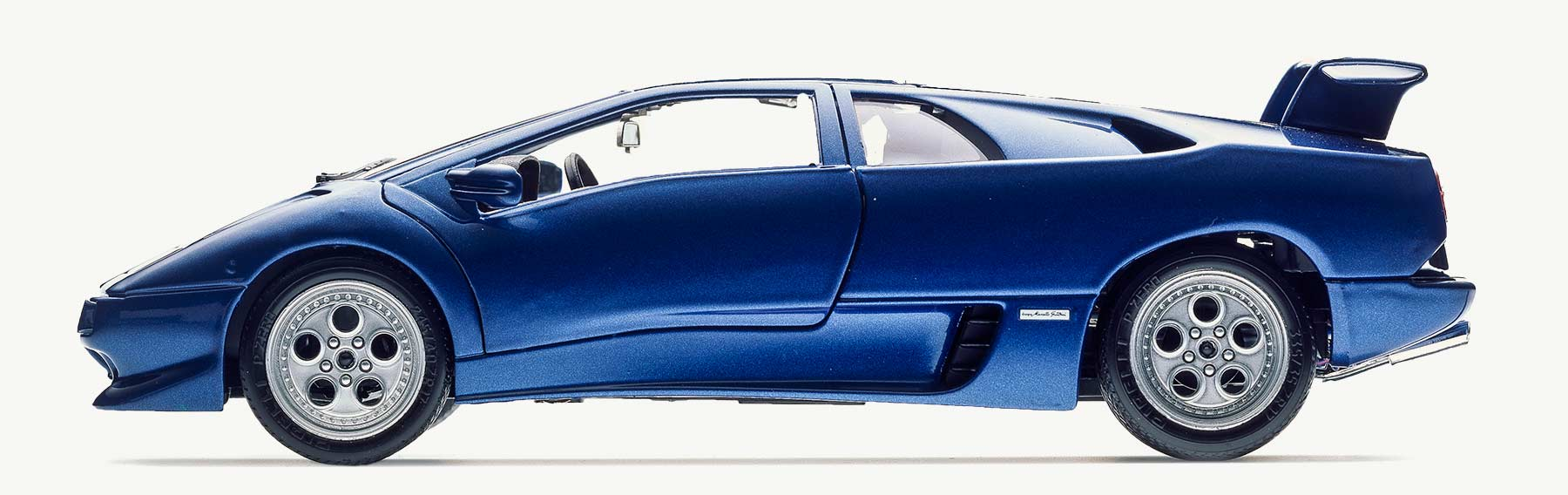 Burago 3018 Lamborghini Metal Blue Diablo