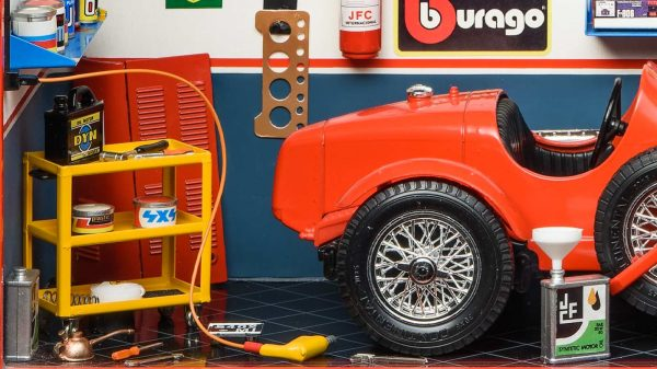 Bburago 3014GF Garage MMonza Diorama Alfa Romeo 8C 2300 close up