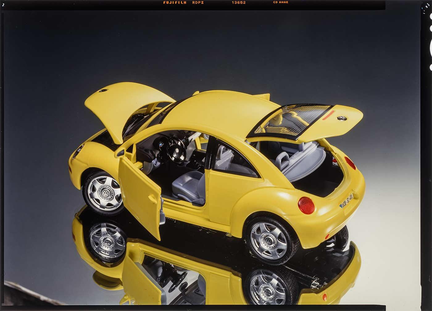 3302 Volkswagen New Beetle Bburago News open