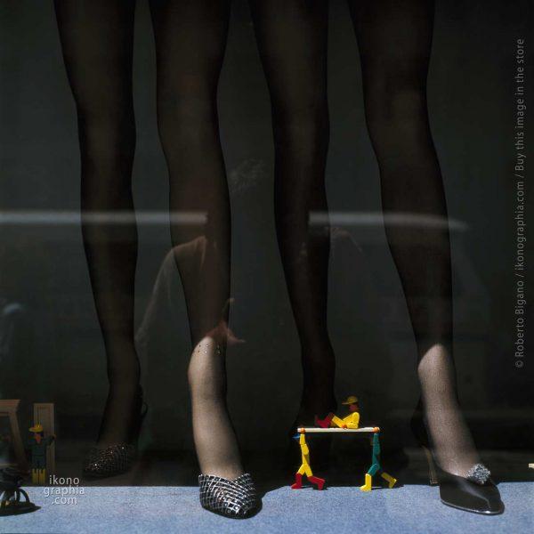 """August 1983 - New York City. - From """"Plastic Girls"""" series. Photo Roberto Bigano."""