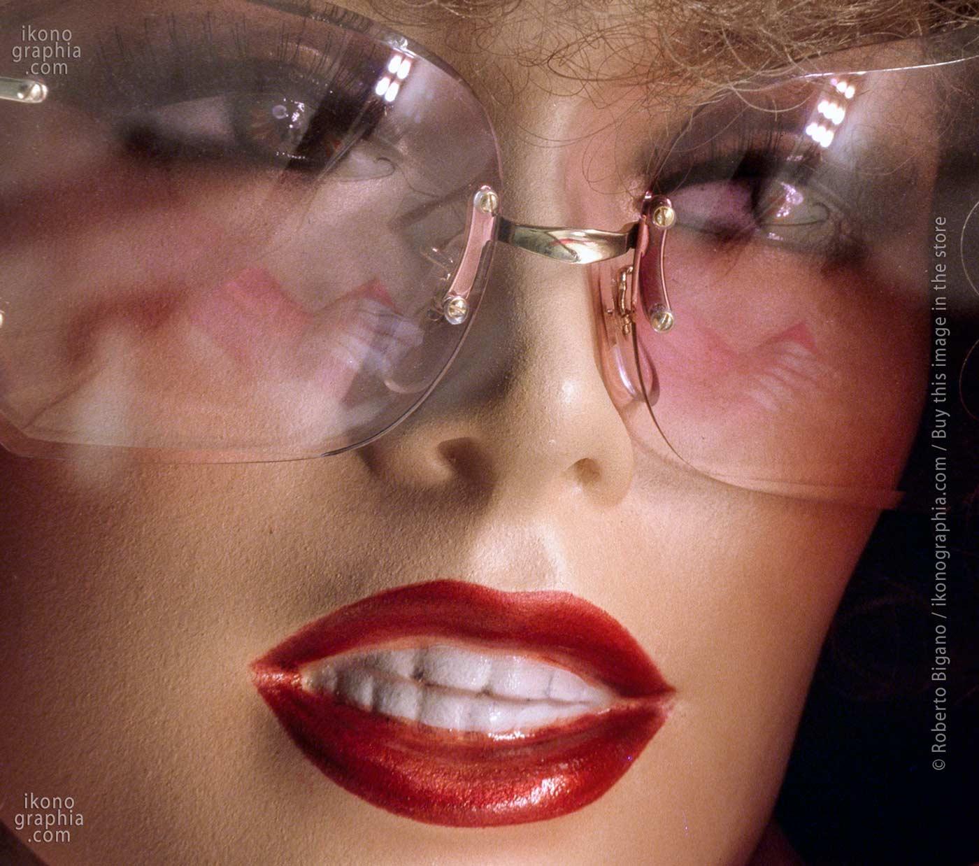 "August 1983 - Boca Raton, Florida. - From ""Plastic Girls"" series..Photo Roberto Bigano."