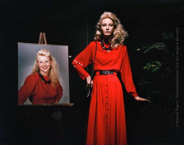 "August 1988. Senter & Crunes Dept Store. Rockland, Maine. From ""Plastic Girls"" series. Photo Roberto Bigano."