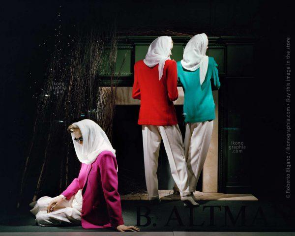 "August 1988. Altman's Dept. Store. New York City. From ""Plastic Girls"" series. Photo Roberto Bigano."