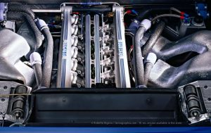 The engine of the Bugatti EB 110. Photo Roberto Bigano. Buy this image in the ikonographia.com store.
