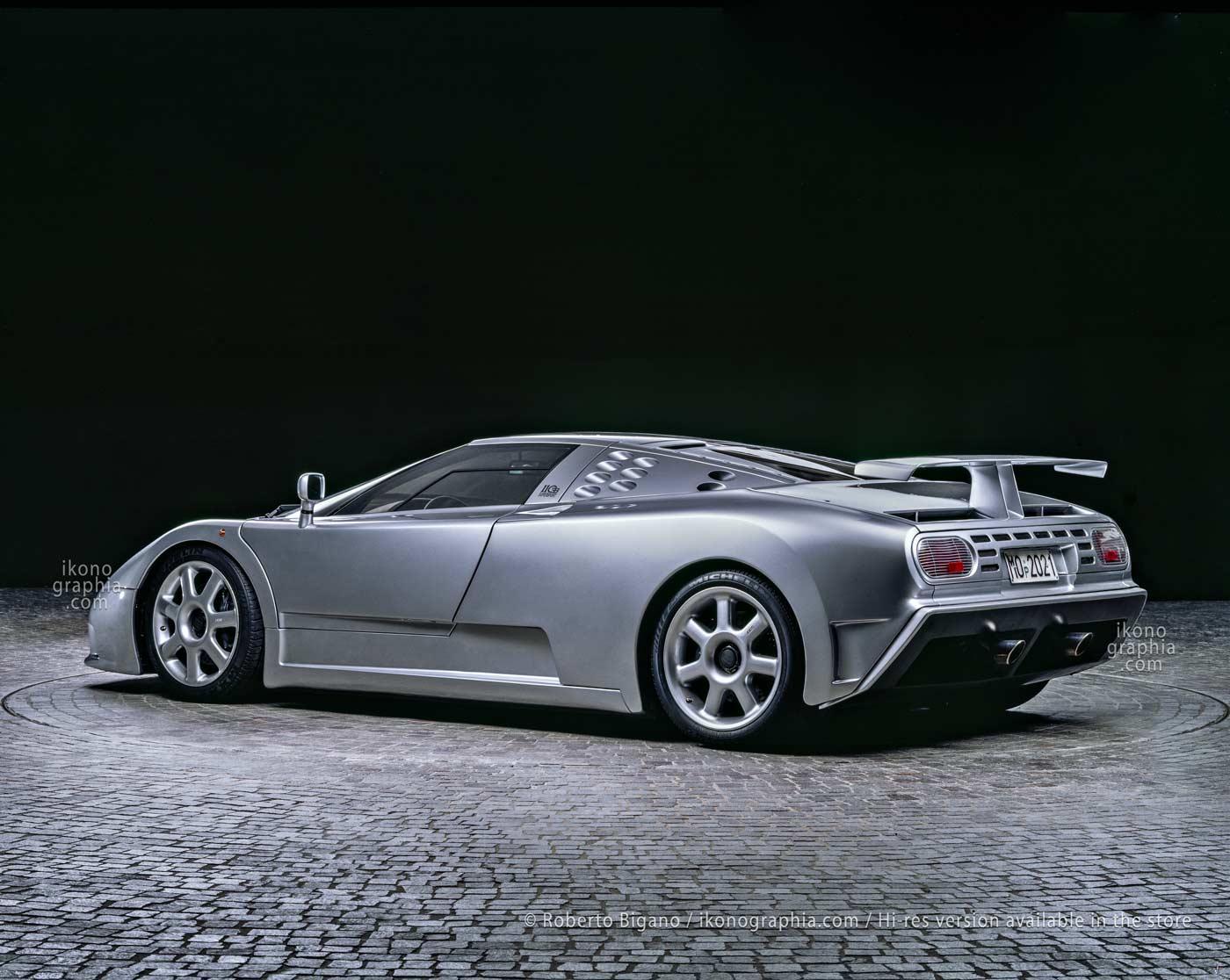 Bugatti EB110 Supersport pictured in the futuristic show-room at Campogalliano. Photo Roberto Bigano. Buy this image in the ikonographia.com store.