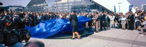 15 September 1991. Alain Delon and Renata. Artioli unveiling the Bugatti EB110 in front of the Grande Arche at La Défense in Paris. Photo Roberto Bigano. Buy this image in the ikonographia.com store.